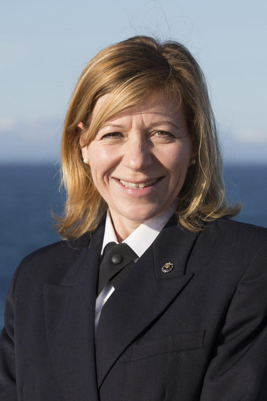 forste kvindelige kaptajn pa silversea