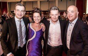 Fire af aftenens hovedpersoner var fra venstre vicedirektør på Hilton-hotellet, Jens Frank-Mikkelsen, Lisbeth Johansen, auktionarius Kasper Nielsen og konferencier, Jes Dorph-Petersen.