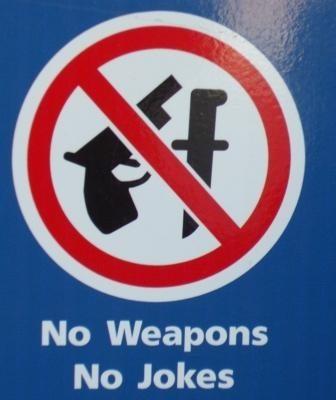 lufthavn skilt våben joke