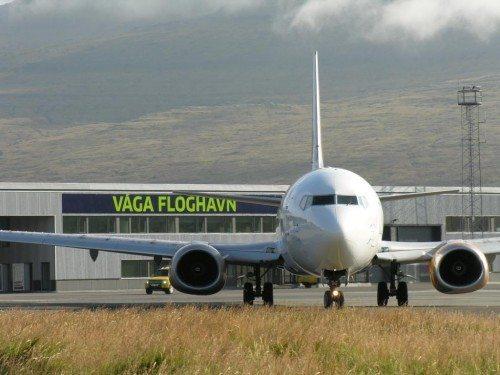 Arkivfoto fra Færøernes Lufthavn, hvor danske Jet Time er på besøg med en Boeing B737.