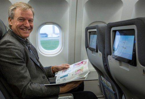 Direktør i Thomas Cook Airlines Scandinavia, lange Torben Østergaard, sætter i disse måneder nye standarder i Norden for ferierejser med fly. Manges bønner om ekstra benplads er blevet hørt med seks nye A321-fly, en total opgradering af to fly af samme type og det første af selskabets fem A330-fly.