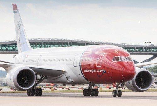 norwegian dreamliner gatwick lufthavn