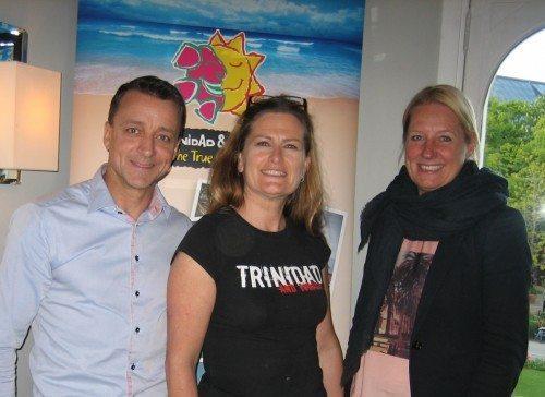 Christine Engens firma United Spirit repræsenterer bl.a. Trinidad og Tobago i Norden – her flankeres hun af Per Jidekrans fra Hummingbird i Gøteborg og Susanne Nielsen fra Spies.