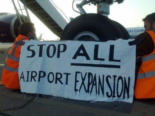 plane stupid lufthavn protest
