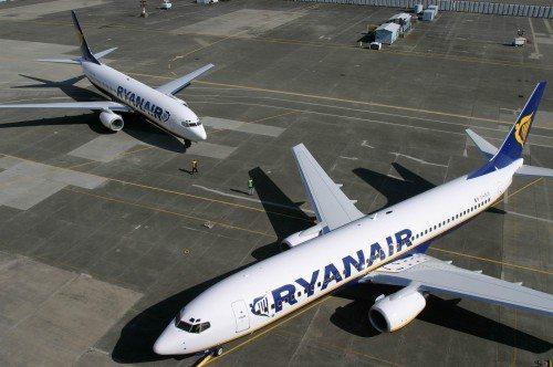 ryanair fly boeing b737-800