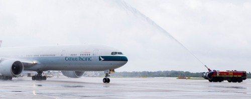 cathay pacific düsseldorf boeing 777