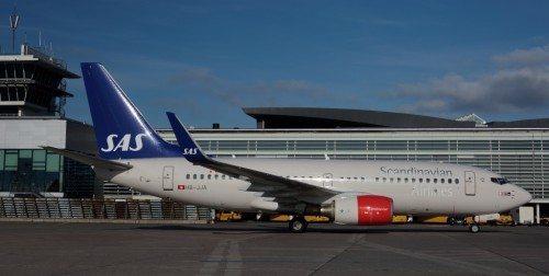 PrivatAir B737'eren i SAS-bemaling fotograferet i går i Københavns Lufthavn af Arne V. Petersen.