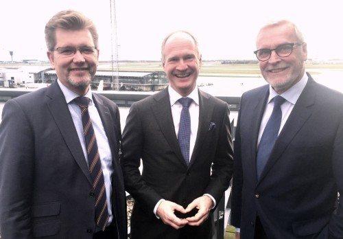 Københavns overborgmester, Frank Jensen, til venstre, direktør i Københavns Lufthavn, Thomas Woldbye, og Odenses borgmester Anker Boye.