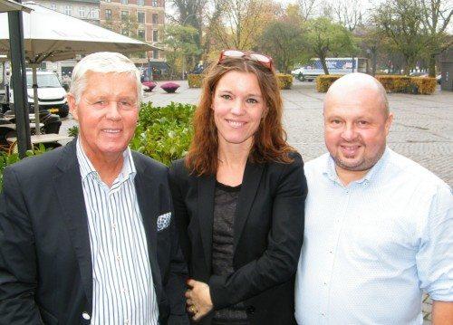 Ledertrioen omkring Bravo Tours er fra venstre rejseambassadør Stig Elling, kommerciel direktør Gitte Søndergaard og adm. direktør, Peder Hornshøj.