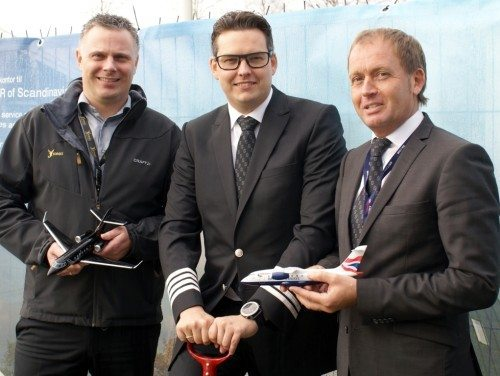 Fra første spadestik til Sun-Airs nye hovedkvarter, fra venstre chef for JoinJet, Carsten Vistisen, Sun-Airs med ejer og vicedirektør, Kristoffer Sundberg, samt Sun-Airs kommercielle direktør, Kristian Tvergaard.
