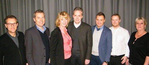 Fra PATA Danmarks nytårskur i går med medlemmer af PATA-bestyrelsen og sponsorer fra Air France og KLM. Den afgående PATA-formand i Danmark, Karin Gert Nielsen, er nr. tre fra venstre.