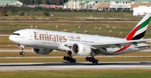 Emirates Boeing B777-200LR fly lufthavn