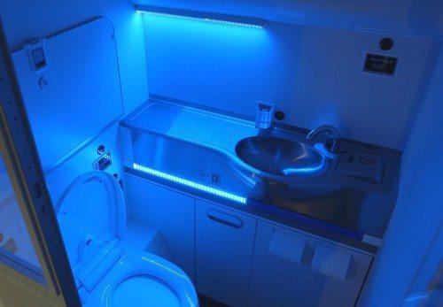 boeing selv rensende fly toilet