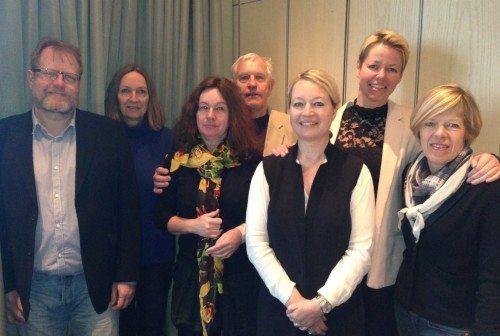 Hovedparten af bestyrelsen i Danske Rejsejournalister, fra venstre det afgåede medlem, Lars Johansen, det nye, Judith Betak, Lissen Jacobsen, Aage Krogsdam, Rikke Koks Andreassen, fra kommunikationsbureauet Essencius, der har kunder i rejsebranchen, formand Anne-Vibeke Isaksen og Hanne Høiberg.