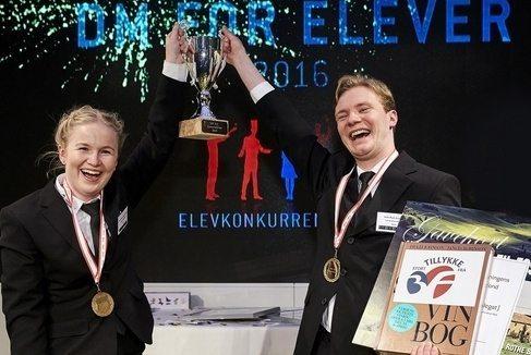 Maria Martha Mønster Nielsen og Niels Buch Gormsen da parret sidste måned vandt Danmarksmesterskabet for tjenerelever.