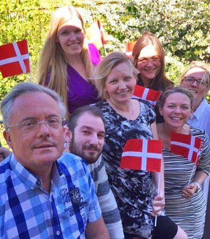 Hovedparten af Svane Rejsers medarbejdere, med adm. direktør Per Reither forrest.