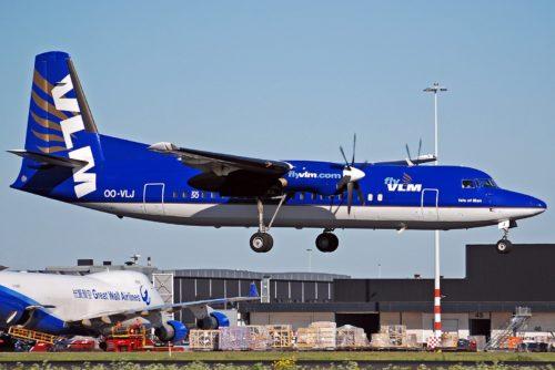 VLM Airlines Fokker 50 fly lufthavn
