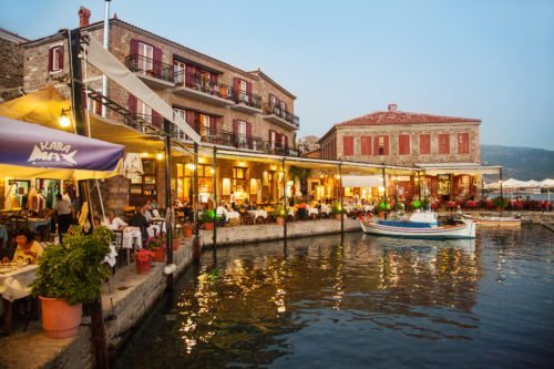 Lesbos, Molivos. havnen med Hotel SeaHorse.