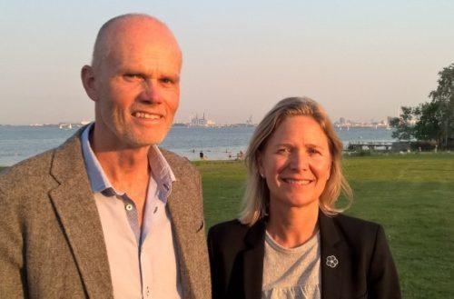 Per Ankær sælger sit danske ICS til schweiziske MCI, hvor Trine Steffensen er Director of Operations, MCI Nordics.