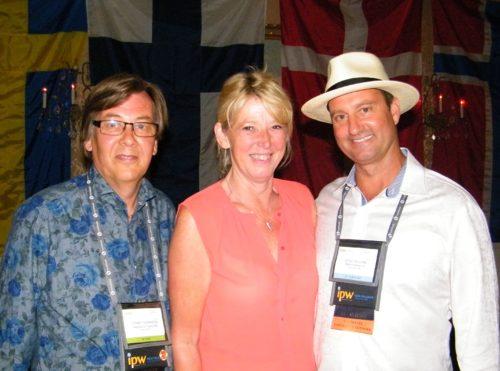 Fra den nordiske reception i aftes i New Orleans, fra venstre Tommy Swanson, Karin Gert Nielsen, direktør for den danske Discover America-komite, og Doug Killian, international turismedirektør for USAs største shoppingcenter, Mall of America, i Bloomington ved Minneapolis.