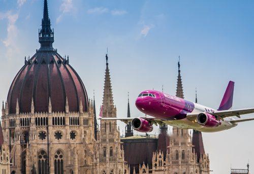 Wizz Air i såkaldt low pass over Ungarns hovedstad, Budapest.