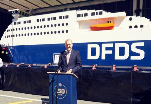 DFDS koncernchef, Niels Smedegaard, talte i går ved navngivningen af rederiets Lego-skib.
