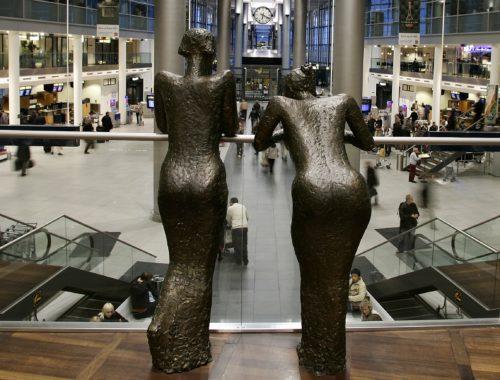 koebenhavns-lufthavn-pigerne-i-lufthavnen