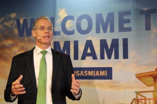 SAS koncernchef, Rickard Gustafson, talte i går ved åbningen af første flyvning fra Oslo til Miami. Foto: Flemming Lundberg Poulsen.