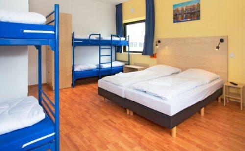 Et A&O-familieværelse på hotellet i Amsterdam.