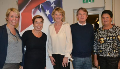 Panelet hos Danske Rejsejournalister om USA, fra venstre Anne-Vibeke Isaksen, Dorte Kuula, Karin Gert Nielsen, Jesper Ewald og Annelise Dam Larsen.